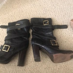 Tory Burch lace up ankle boots 7.5
